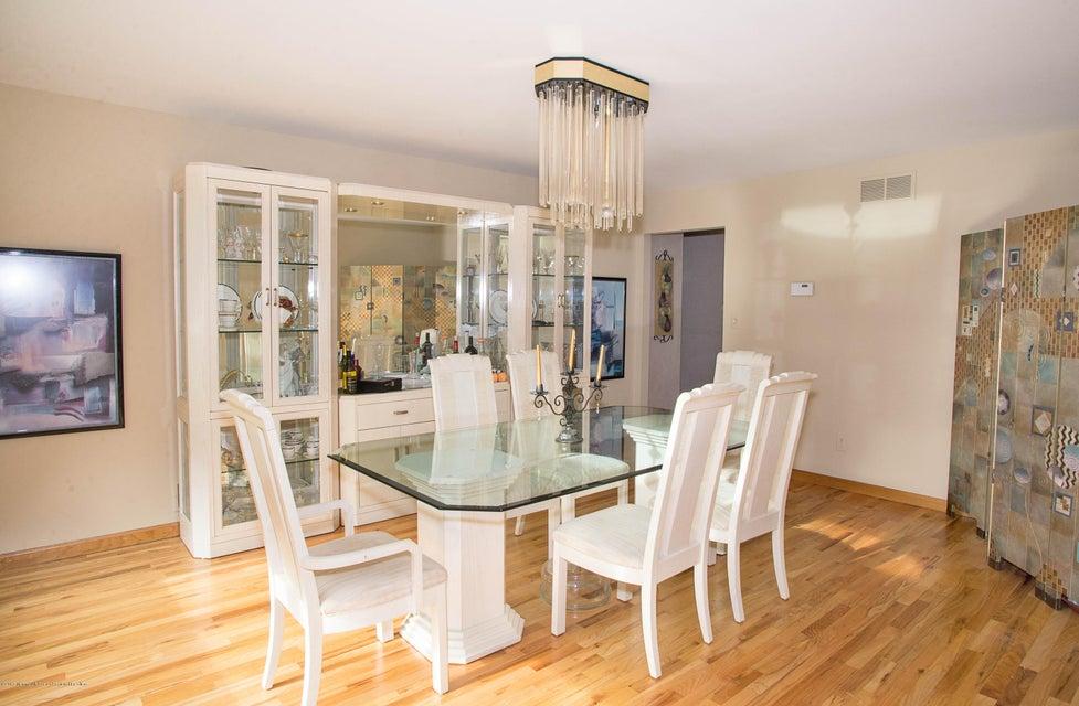 _RMJ4917.jpg dining room