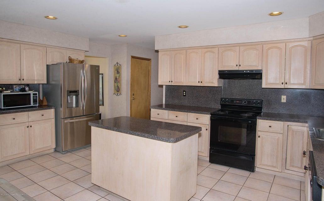 _RMJ4967.jpg kitchen