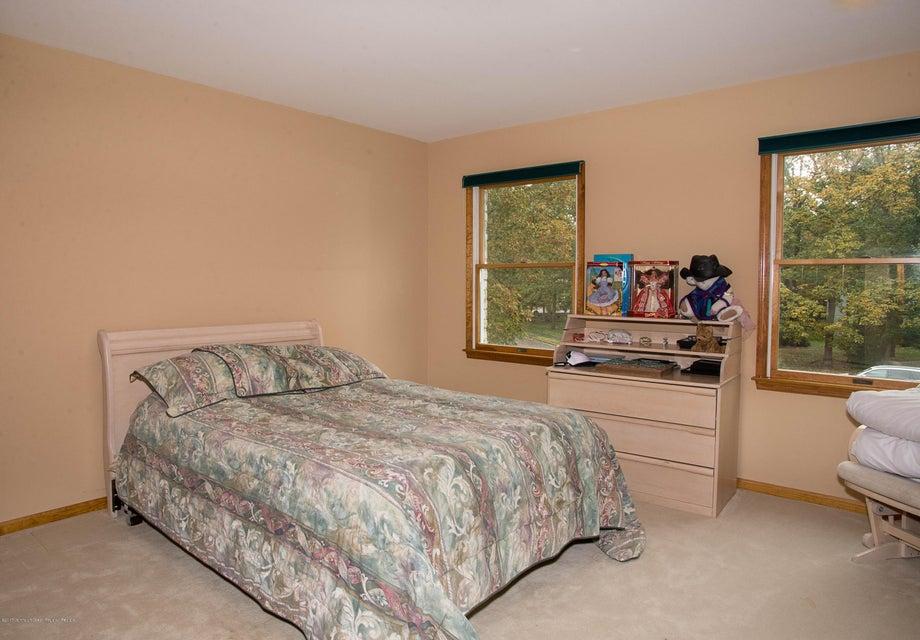 _RMJ4979.jpg 2nd bedroom