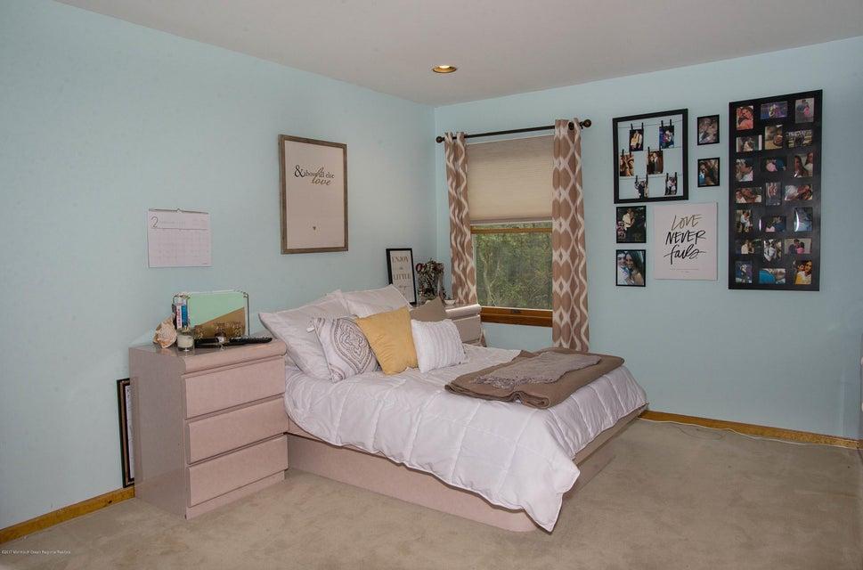 _RMJ4981.jpg 3rd bedroom