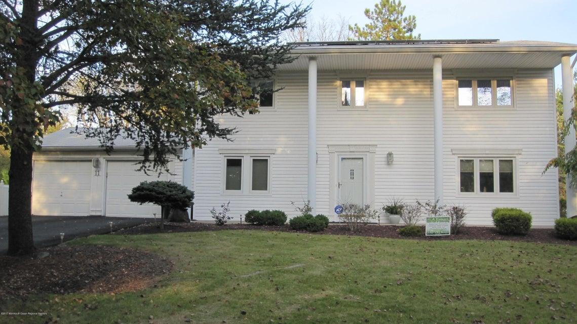 Villa per Vendita alle ore 11 St Lawrence Way 11 St Lawrence Way Marlboro, New Jersey 07746 Stati Uniti