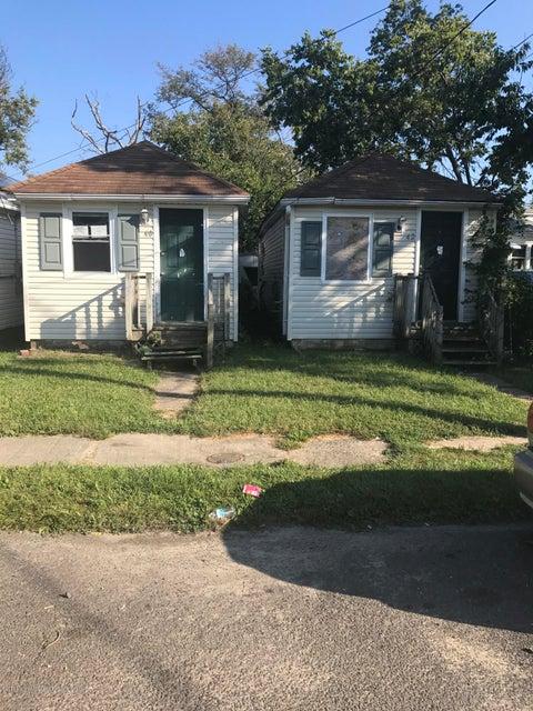 獨棟家庭住宅 為 出售 在 40-42 Pineview Avenue 40-42 Pineview Avenue Keansburg, 新澤西州 07734 美國