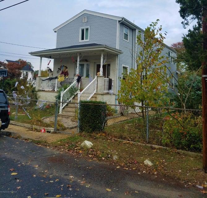 多戶家庭房屋 為 出售 在 109 Lawrence Avenue 109 Lawrence Avenue Keansburg, 新澤西州 07734 美國