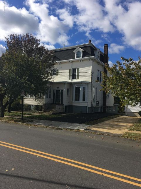 Single Family Home for Rent at 19 Rector Place 19 Rector Place Red Bank, New Jersey 07701 United States