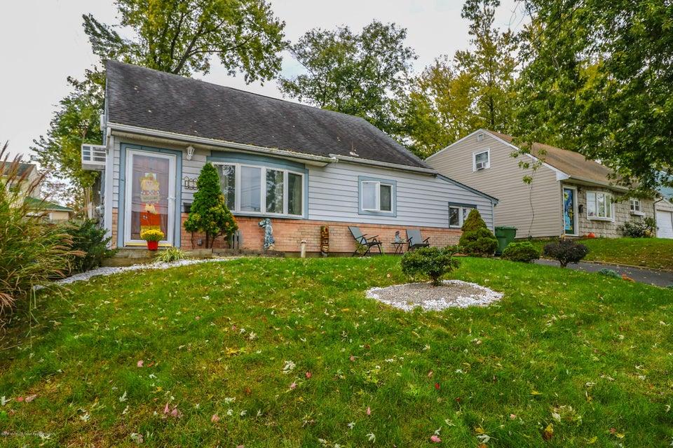 Casa Unifamiliar por un Venta en 20 Birch Terrace 20 Birch Terrace Parlin, Nueva Jersey 08859 Estados Unidos