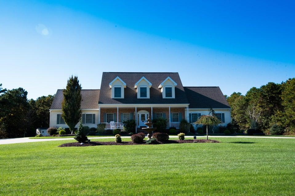独户住宅 为 销售 在 1661 Lincoln Boulevard 1661 Lincoln Boulevard Whiting, 新泽西州 08759 美国