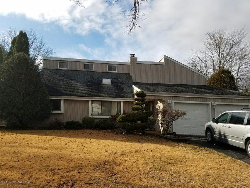 Maison unifamiliale pour l Vente à 124 Mountain Avenue 124 Mountain Avenue Piscataway, New Jersey 08855 États-Unis