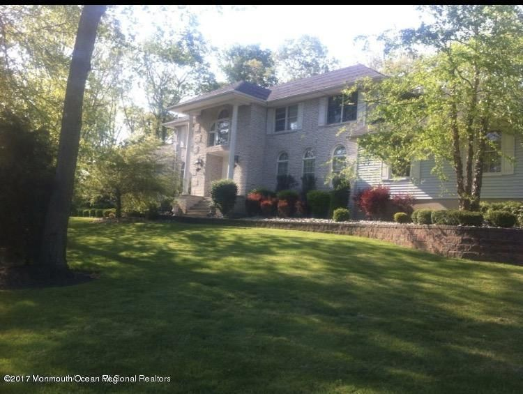 Single Family Home for Rent at 4 Candlewood Court 4 Candlewood Court Millstone, New Jersey 08510 United States