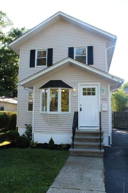 Casa Unifamiliar por un Venta en 600 Harvard Street 600 Harvard Street New Milford, Nueva Jersey 07646 Estados Unidos