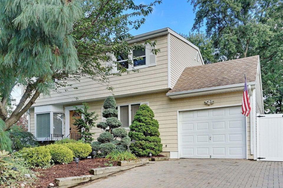 一戸建て のために 売買 アット 5 Bell Court 5 Bell Court East Brunswick Township, ニュージャージー 08816 アメリカ合衆国