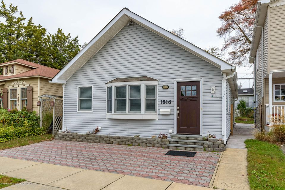 Single Family Home for Sale at 1816 Parkway 1816 Parkway Lake Como, New Jersey 07719 United States