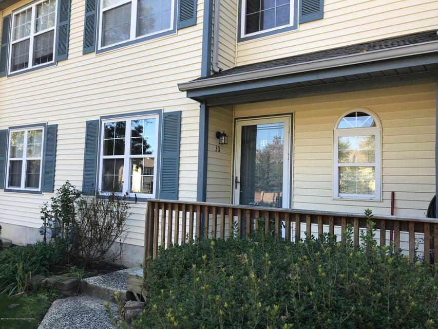 共管式独立产权公寓 为 出租 在 30 Quail Run 30 Quail Run 贝维尔, 新泽西州 08721 美国