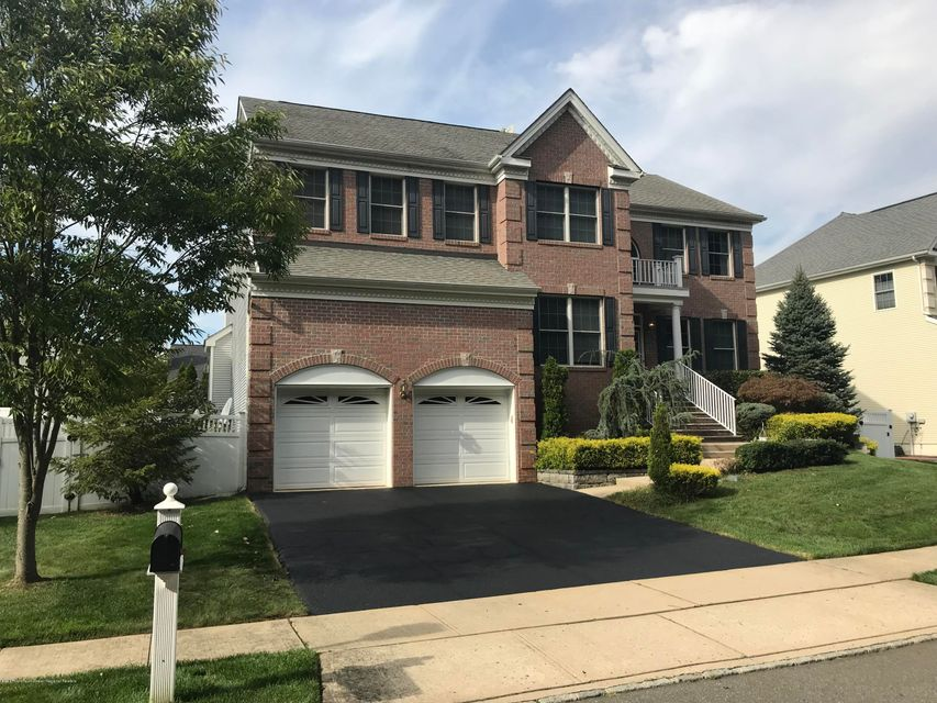 Single Family Home for Sale at 4 Amy Court 4 Amy Court Old Bridge, New Jersey 08857 United States