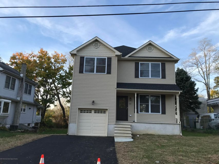 Single Family Home for Sale at 646 Center Avenue 646 Center Avenue Belford, New Jersey 07718 United States