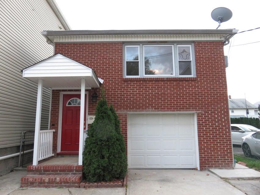 Maison unifamiliale pour l Vente à 642 Montgomery Street 642 Montgomery Street Elizabeth, New Jersey 07202 États-Unis