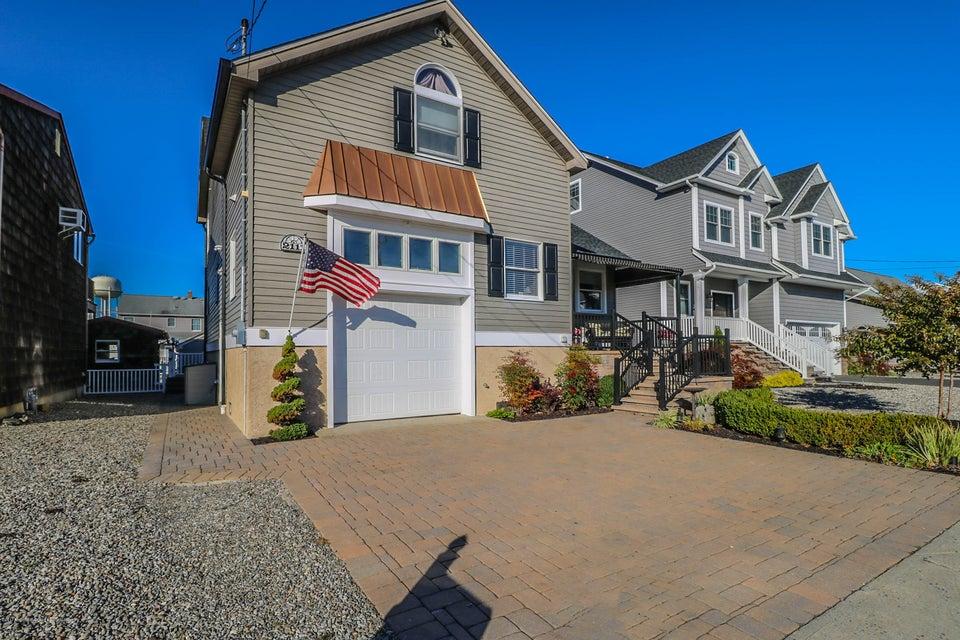独户住宅 为 销售 在 2111 Glenwood Drive 2111 Glenwood Drive 特普莱森特, 新泽西州 08742 美国