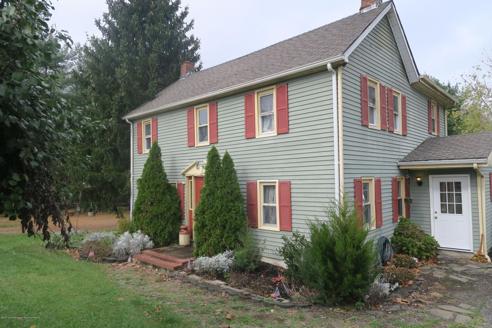 Single Family Home for Sale at 6 Bunting Bridge Road 6 Bunting Bridge Road Cookstown, New Jersey 08511 United States