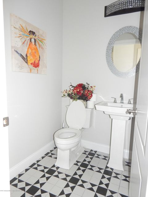 Additional photo for property listing at 17 Dorset Road 17 Dorset Road Ocean Township, Nueva Jersey 07712 Estados Unidos
