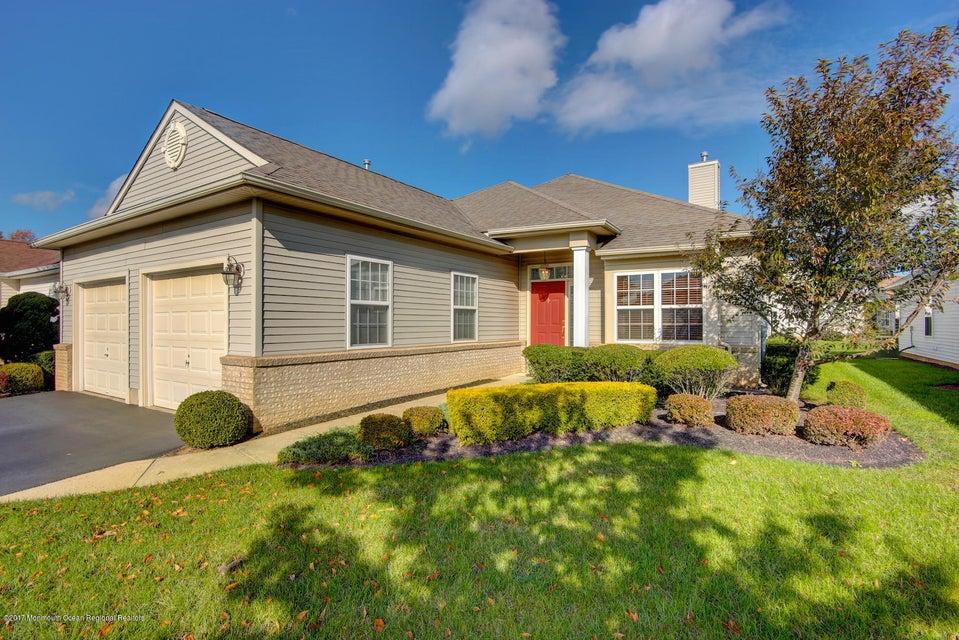 Casa para uma família para Venda às 106 Davinci Court 106 Davinci Court Monroe, Nova Jersey 08831 Estados Unidos