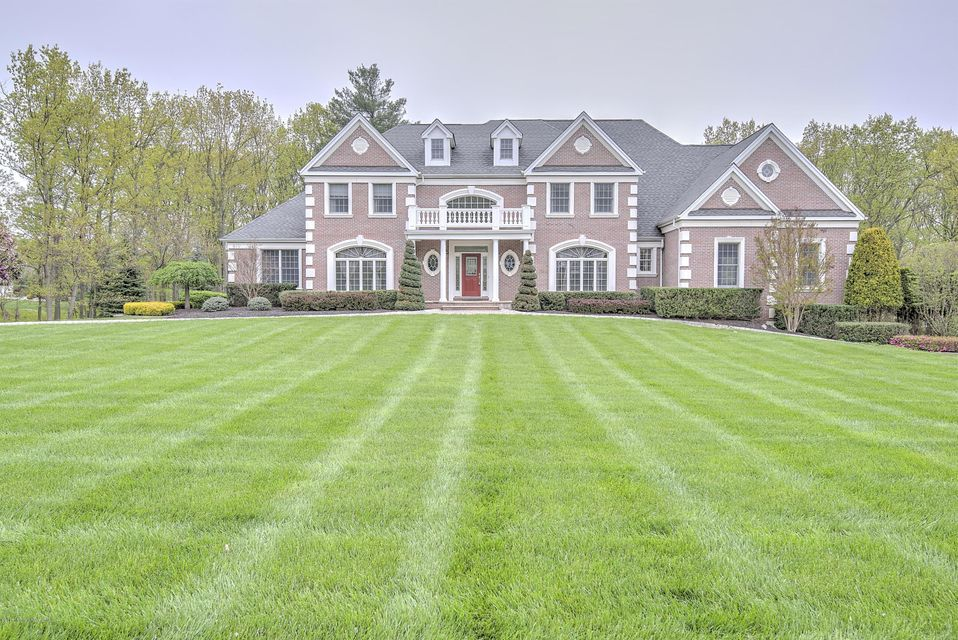 Casa Unifamiliar por un Venta en 1 Tarot Court 1 Tarot Court Marlboro, Nueva Jersey 07746 Estados Unidos