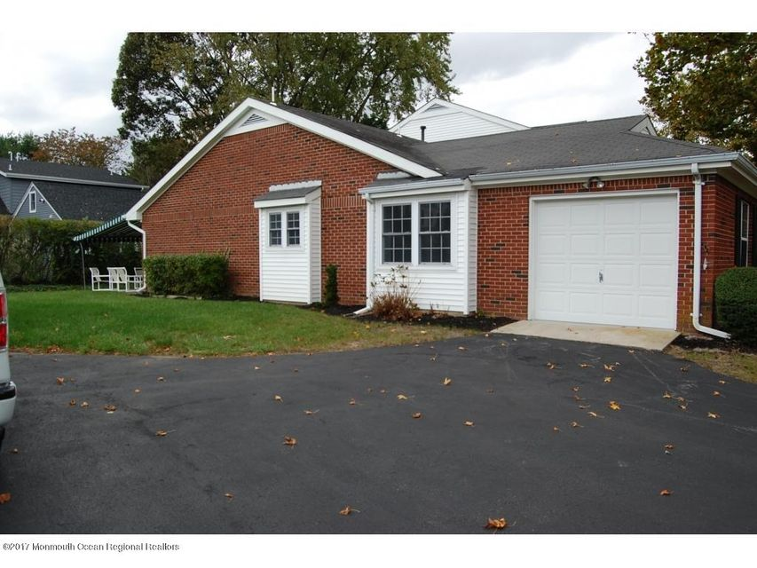 Single Family Home for Sale at 1 Dogwood Court 1 Dogwood Court Spring Lake Heights, New Jersey 07762 United States