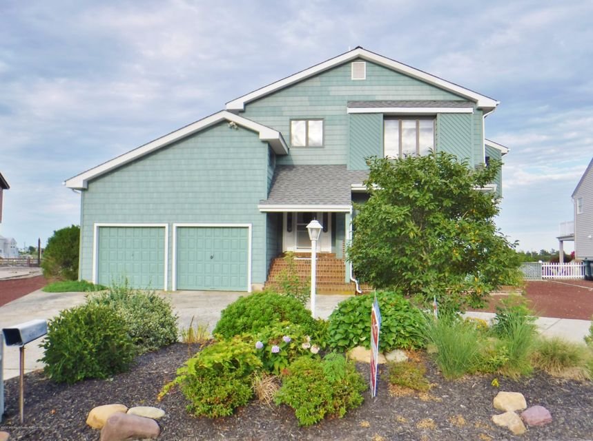 Single Family Home for Sale at 21 Overlook Drive 21 Overlook Drive Little Egg Harbor, New Jersey 08087 United States