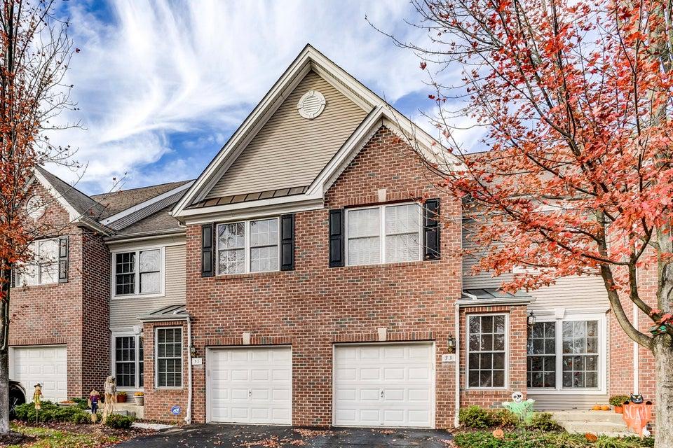 Maison unifamiliale pour l Vente à 31 Ironwood Court 31 Ironwood Court Middletown, New Jersey 07748 États-Unis