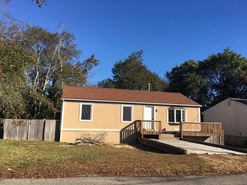 Single Family Home for Rent at 212 Nantucket Road 212 Nantucket Road Forked River, New Jersey 08731 United States
