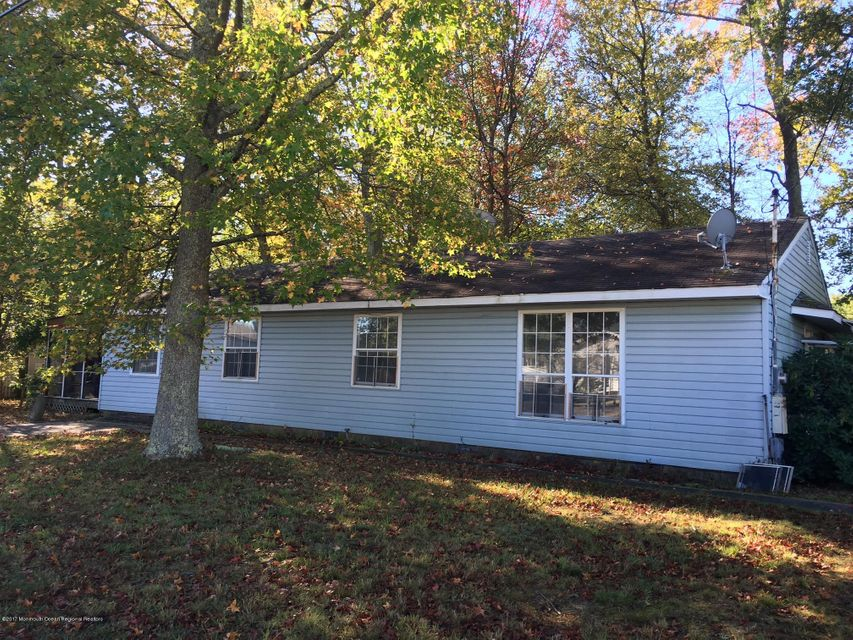 Single Family Home for Rent at 27 Pine Street 27 Pine Street Manahawkin, New Jersey 08050 United States