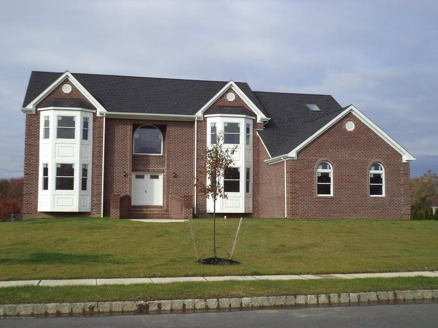 Casa para uma família para Venda às 13 Adam Court 13 Adam Court Monroe, Nova Jersey 08831 Estados Unidos