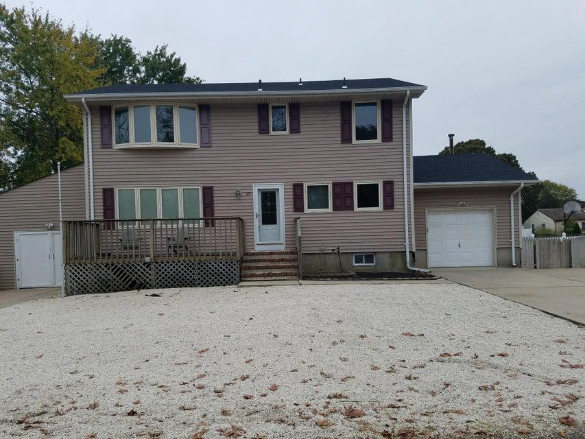 Einfamilienhaus für Verkauf beim 20 Lakewood Avenue 20 Lakewood Avenue Ocean Gate, New Jersey 08740 Vereinigte Staaten
