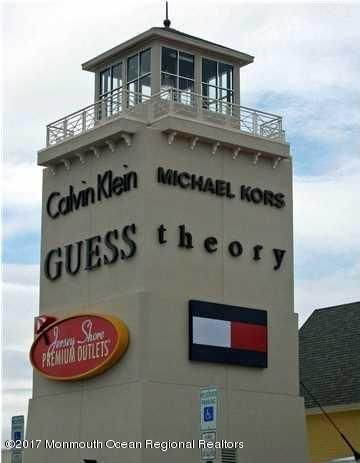 JERSEY SHORE OUTLET MALL CLOSEBY