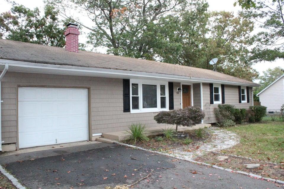 Casa Unifamiliar por un Alquiler en 744 Cable Avenue 744 Cable Avenue Beachwood, Nueva Jersey 08722 Estados Unidos