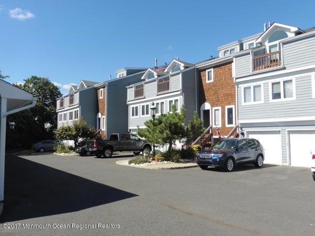Casa Unifamiliar por un Alquiler en 135 1st Street 135 1st Street Keyport, Nueva Jersey 07735 Estados Unidos