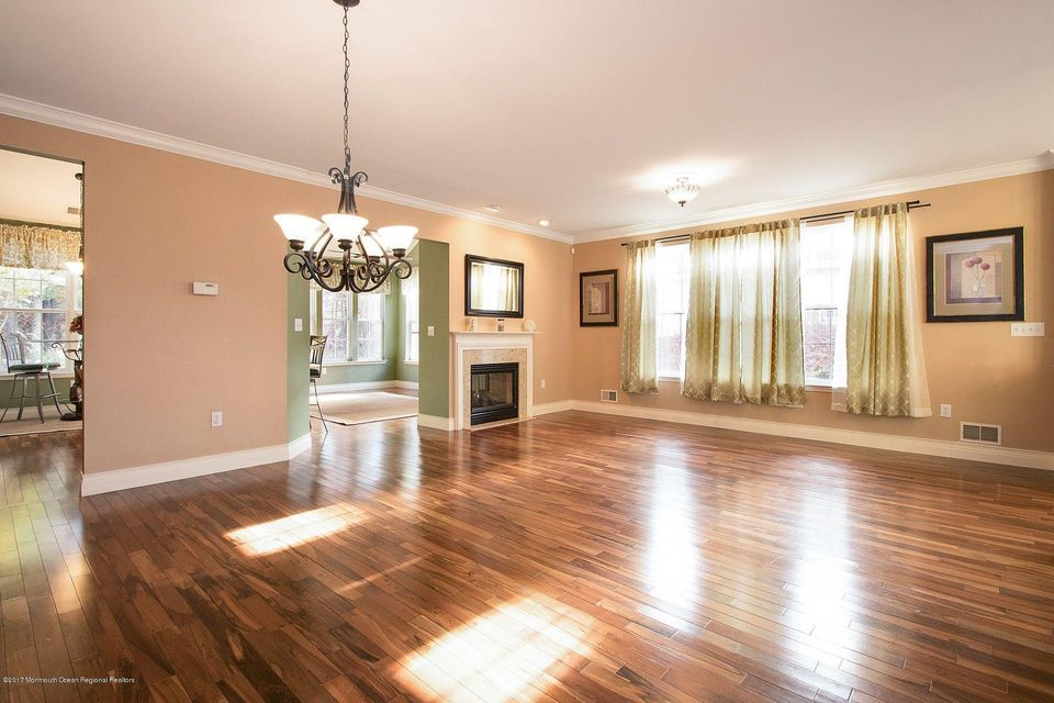 432 living area