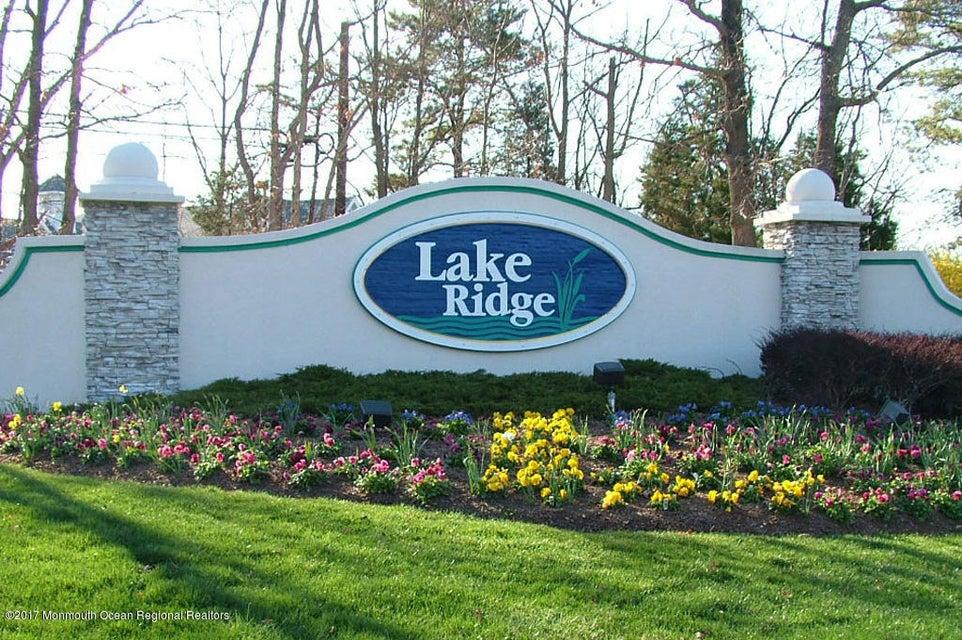 Lake-Ridge-Entrance1