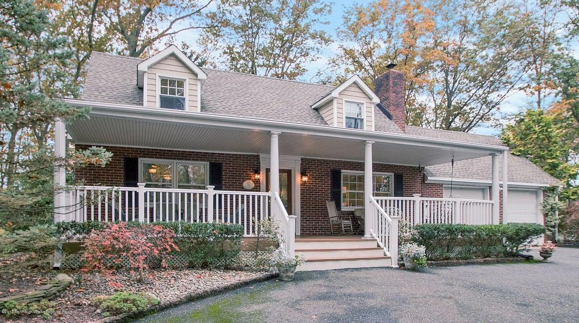 Maison unifamiliale pour l Vente à 235 Portland Road 235 Portland Road Middletown, New Jersey 07748 États-Unis