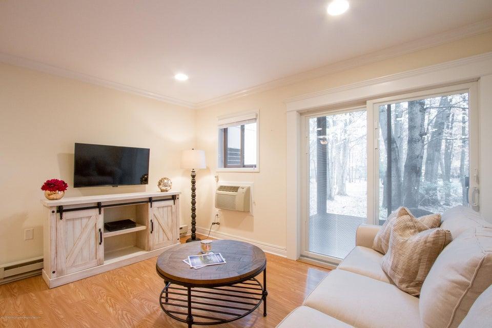 独户住宅 为 出租 在 120 Lexington Court 120 Lexington Court 米德尔敦, 新泽西州 07748 美国