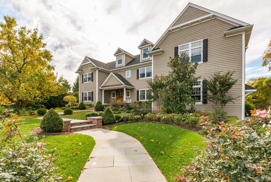 Nhà ở một gia đình vì Bán tại 124 Bingham Avenue 124 Bingham Avenue Rumson, New Jersey 07760 Hoa Kỳ