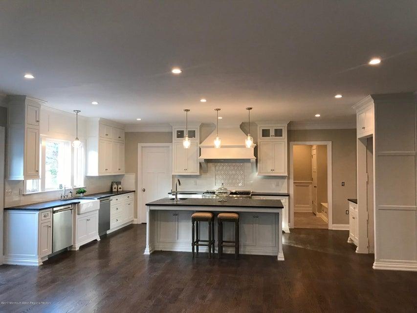 Nhà ở một gia đình vì Bán tại 6 Pond Road 6 Pond Road Rumson, New Jersey 07760 Hoa Kỳ