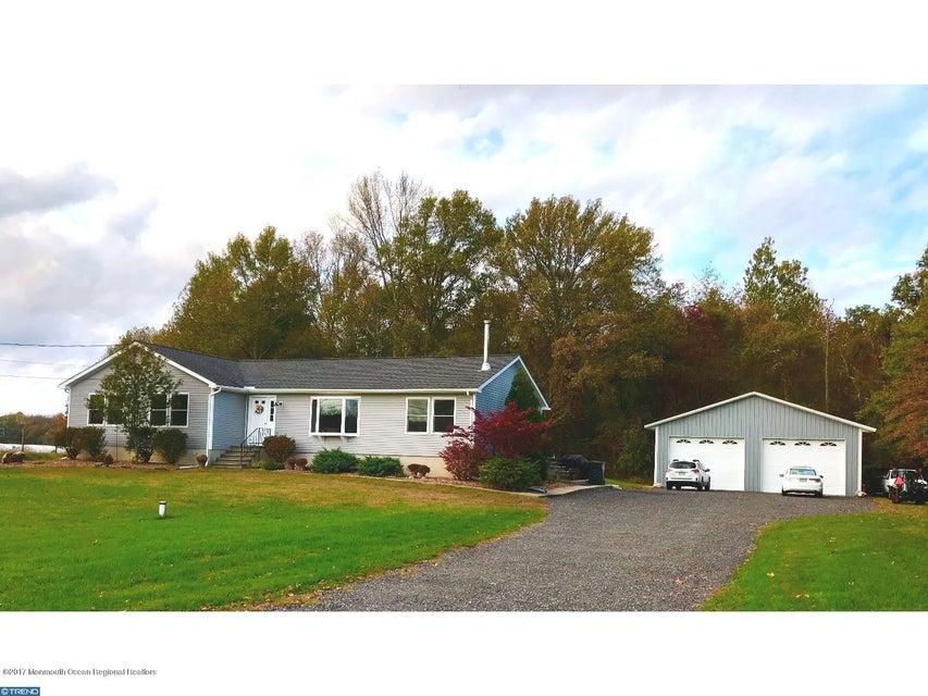 Einfamilienhaus für Verkauf beim 107 Long Swamp Road 107 Long Swamp Road New Egypt, New Jersey 08533 Vereinigte Staaten