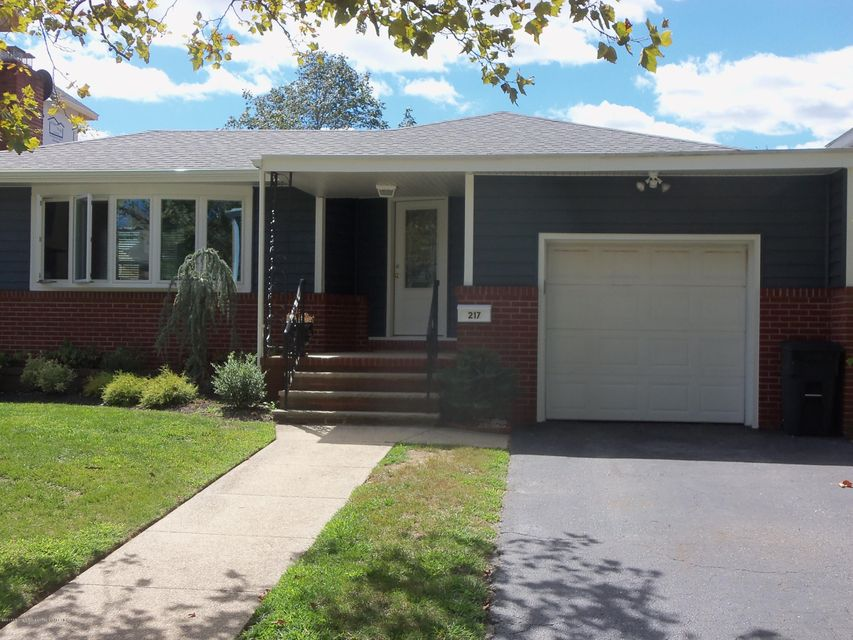 Single Family Home for Rent at 217 3rd Avenue 217 3rd Avenue Belmar, New Jersey 07719 United States