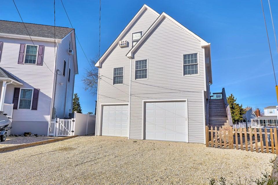 独户住宅 为 销售 在 96 Glenn Drive 96 Glenn Drive Beach Haven West, 新泽西州 08050 美国