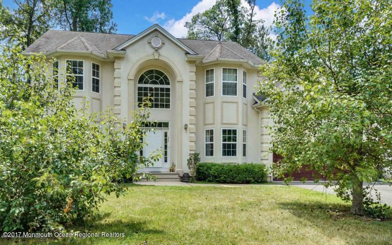 Casa para uma família para Locação às 1302 Berkeley Avenue 1302 Berkeley Avenue Ocean Township, Nova Jersey 07712 Estados Unidos