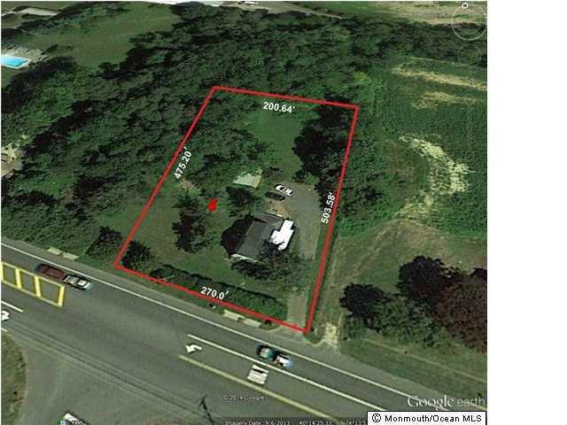 Terrain pour l Vente à 901 Route 33 901 Route 33 Howell, New Jersey 07731 États-Unis