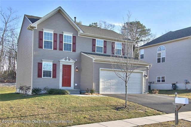 Single Family Home for Rent at 11 Teakwood Lane 11 Teakwood Lane Barnegat, New Jersey 08005 United States
