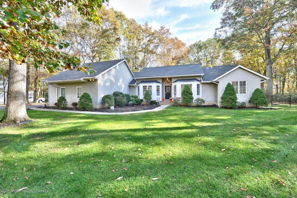 独户住宅 为 销售 在 5 Pin Oak Drive 5 Pin Oak Drive 新埃及, 新泽西州 08533 美国