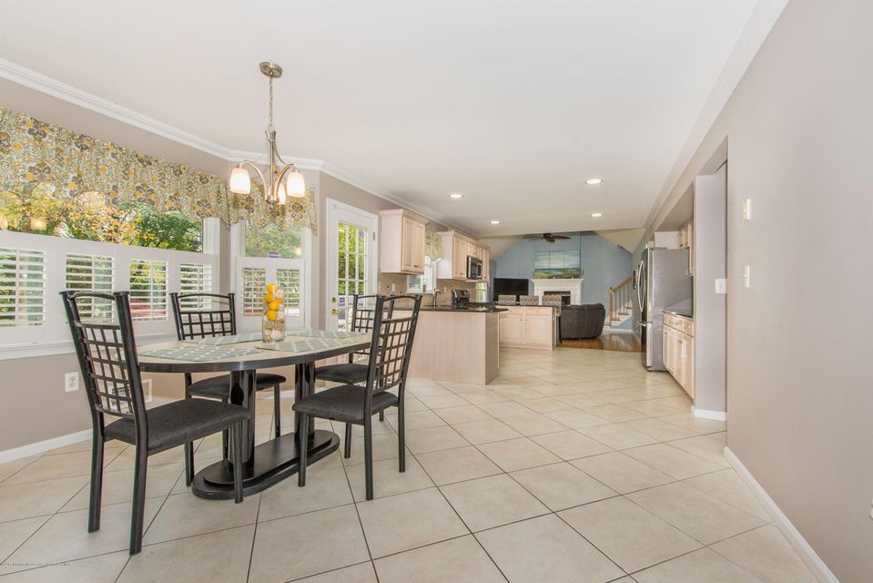 Additional photo for property listing at 709 Leonardville Road 709 Leonardville Road Leonardo, 新澤西州 07737 美國