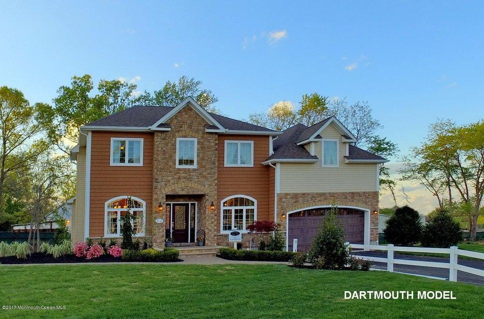 独户住宅 为 销售 在 14 Manzo Court 14 Manzo Court 廷顿瀑布市, 新泽西州 07724 美国