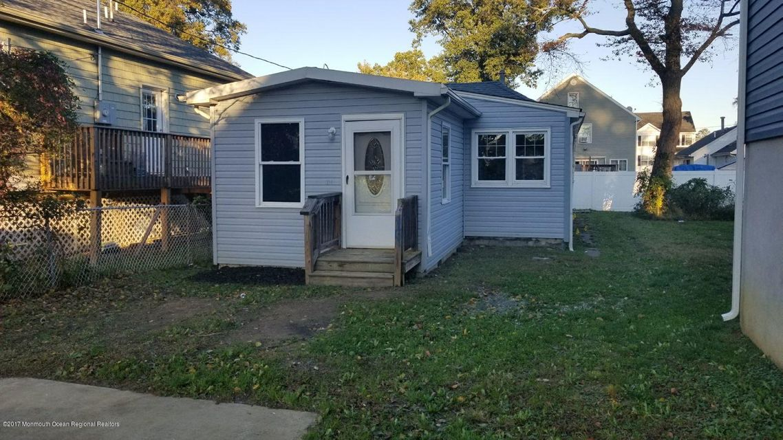 獨棟家庭住宅 為 出售 在 14 Beechwood Avenue 14 Beechwood Avenue Keansburg, 新澤西州 07734 美國